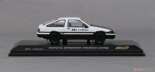 Kyosho-Initial-D-Toyota-Sprinter-Trueno-AE86-007