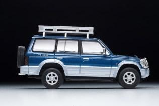 Tomica-Limited-Vintage-Neo-Mitsubishi-Pajero-VR-007