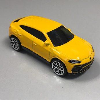 Hot-Wheels-2020-Mainline-Lamborghini-Urus-002