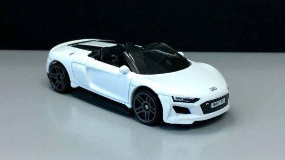 Hot-Wheels-Audi-R8-Spyder-003