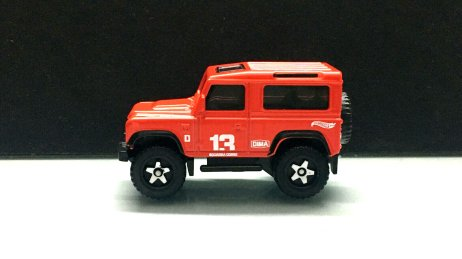 Hot-Wheels-Land-Rover-Defender-90-001