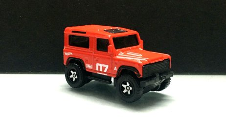 Hot-Wheels-Land-Rover-Defender-90-003