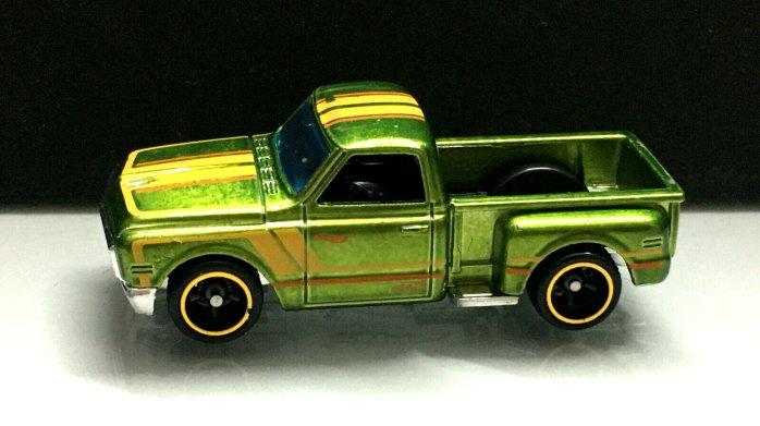 Hot-Wheels-Mainline-2020-Super-Treasure-Hunt-69-Chevy-Pickup-001