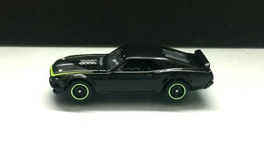 Hot-Wheels-Mainline-69-Ford-Mustang-Boss-302-RTR-005