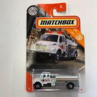 Matchbox-Mainline-2020-Mix-4-Freightliner-M2-106
