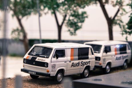 Tarmac-Works-X-Schuco-Volkswagen-T3-Box-Van-Audi-Sport-001