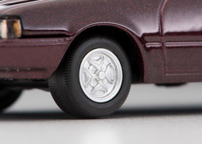 Tomica-Limited-Vintage-Neo-Nissan-Silvia-Hatchback-Turbo-ZSE-marron-007