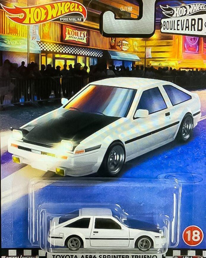 Hot-Wheels-Boulevard-Mix-4-Toyota-AE86-Sprinter-trueno