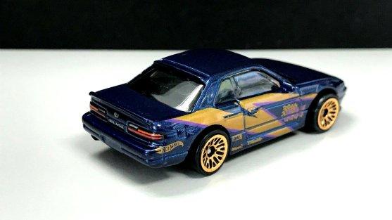 Hot-Wheels-Nissan-Silvia-S13-003