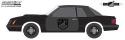 GreenLight-Collectibles-Black-Bandit-24-1982-Ford-Mustang-SSP-Black-Bandit-Police