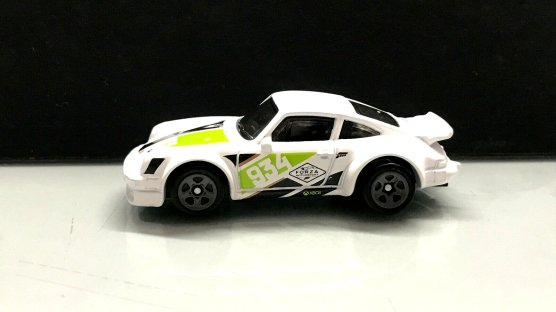 Hot-Wheels-Forza-Motorsport-2020-Porsche-934-Turbo-RSR-001