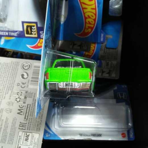 Hot-Wheels-Treasure-Hunt-2020-Chevy-Silverado-004