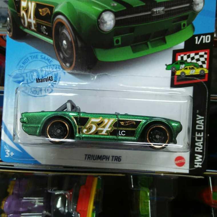 Hot-Wheels-Mainline-2020-Triumph-TR6-002