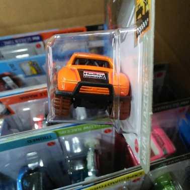 Hot-Wheels-Mainline-Toyota-Baja-Truck-003