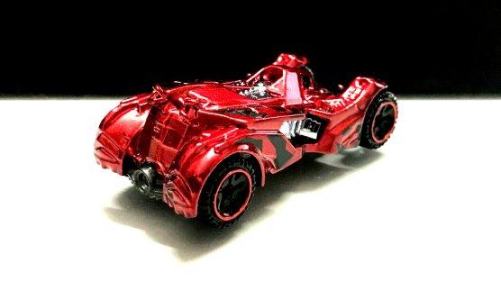 Hot-Wheels-id-Batman-Arkham-Knight-Batmobile-002