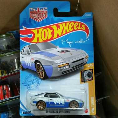 Hot-Wheels-89-Porsche-944-Turbo-Magnus-Walker-001