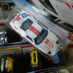 Hot-Wheels-Mainline-2021-Ford-GT40-Gumball-3000-005