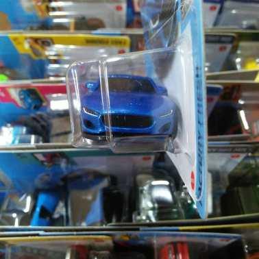 Hot-Wheels-Mainline-2021-Jaguar-F-Type-003