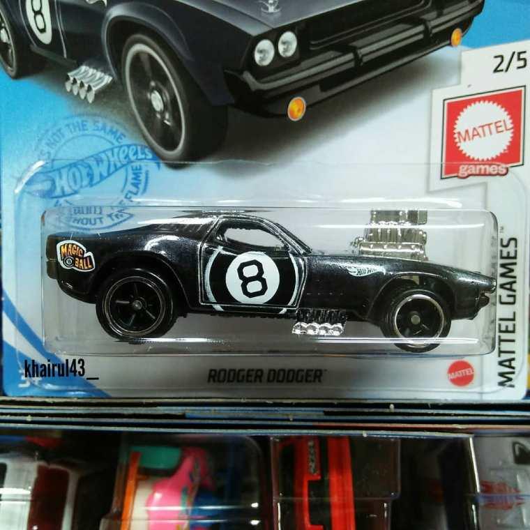 Hot Wheels-Super-Treasure-Hunt-2021-Rodger-Dodger-001