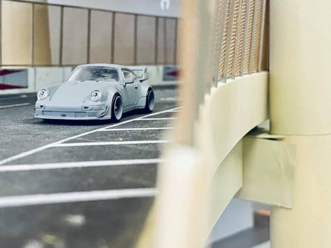 Tarmac-Works-Porsche-964-RWB-003