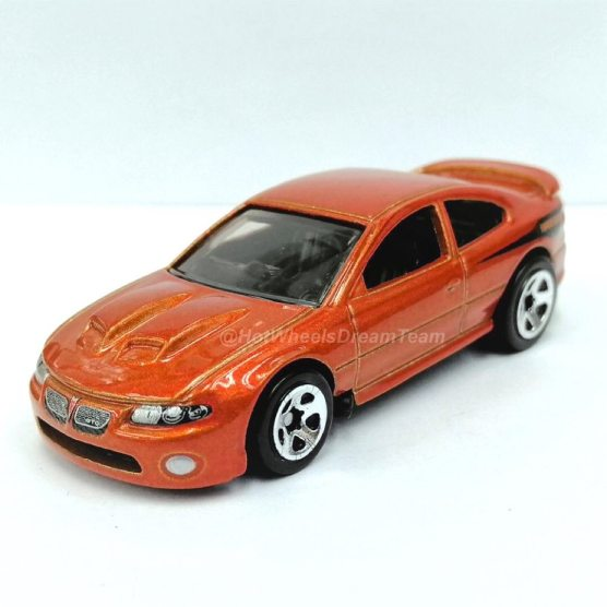 Hot-Wheels-2006-Pontiac-GTO-001