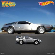 Hot-Wheels-Back-To-The-Future-Time-Machine-35th-anniversary-003