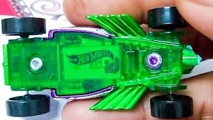 Hot-Wheels-ID-Joker-Bone-Shaker-002