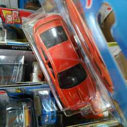 Hot-Wheels-Mainline-2012-2006-Pontiac-GTO-005