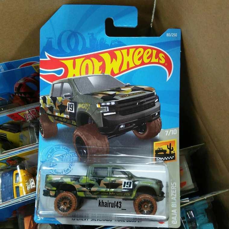 Hot-Wheels-Mainline-2021-19-Chevy-Silverado-Trail-Boss-LT-001