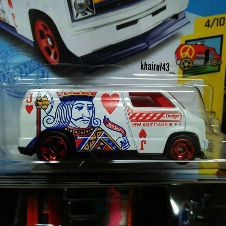 Hot-Wheels-Mainline-2021-Custom-77-Dodge-Van-002