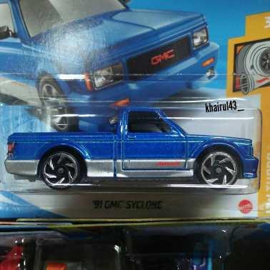 Hot-Wheels-Mainline-2021-GMC-Syclone-002