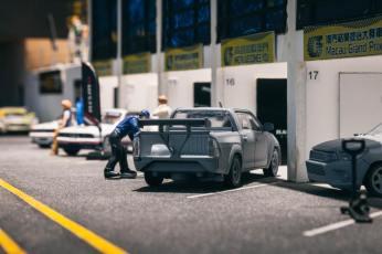 Tarmac-Works-Toyota-Hilux-004