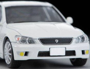 Tomica-Limited-Vintage-Neo-Toyota-Altezza-RS200-Blanc-002