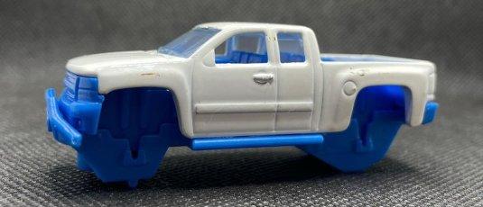 Hot-Wheels-2021-Chevy-Silverado-002