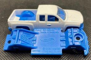 Hot-Wheels-2021-Chevy-Silverado-006