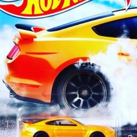 Hot-Wheels-Factory-500-HP-2021-Ford-Shelby-GT350R