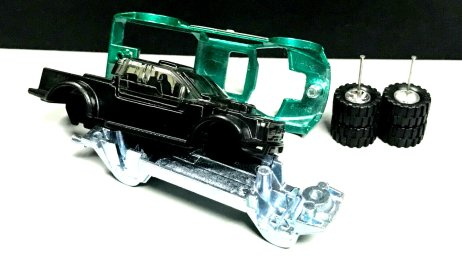 Hot-Wheels-Mail-In-2021-17-Ford-F-150-Raptor-003