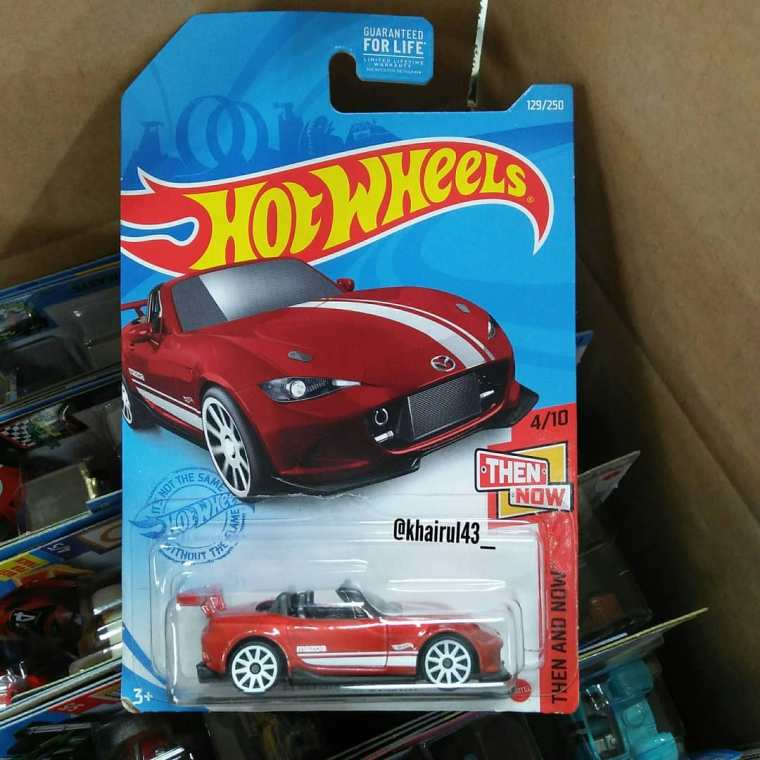 Hot-Wheels-Mainline-2021-15-Mazda-MX-5-Miata-001