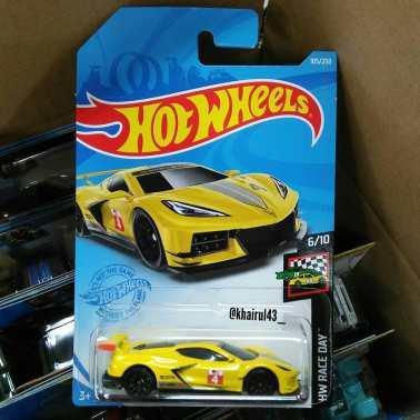 Hot-Wheels-Mainline-2021-Chevrolet-Corvette-C8-R-001
