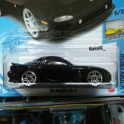 Hot-Wheels-Mainline-2021-Mazda-RX-7-FD-002