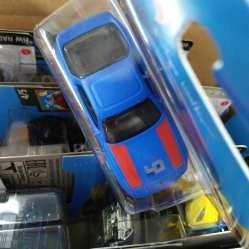 Hot-Wheels-Mainline-2021-Porsche-944-Turbo-Magnus-Walker-005