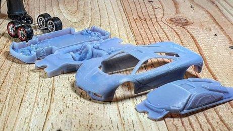 Hot-Wheels-McLaren-F1-003