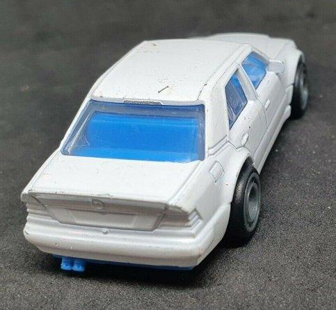 Hot-Wheels-Mercedes-Benz-500E-002