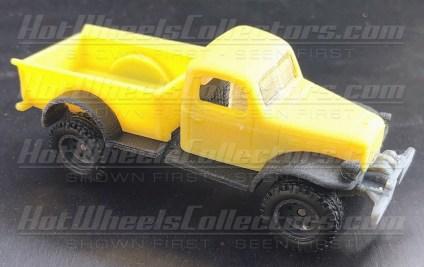 Hot-Wheels-Red-Line-Club-Dodge-Power-Wagon-001