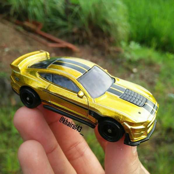 Hot-Wheels-Mainline-2021-2020-Ford-Mustang-Shelby-GT500-Super-Treasure-Hunt-008