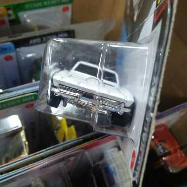 Hot-Wheels-Mainline-2021-64-Corvette-Sting-Ray-003