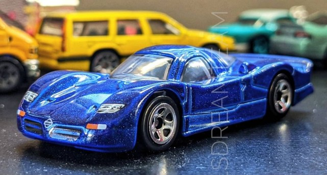 Hot-Wheels-Nissan-R390-GT1-001