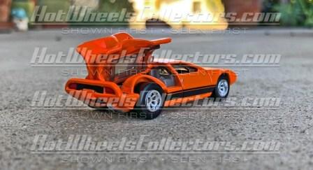 Hot-Wheels-Red-Line-Club-De-Tomaso-Mangusta-003