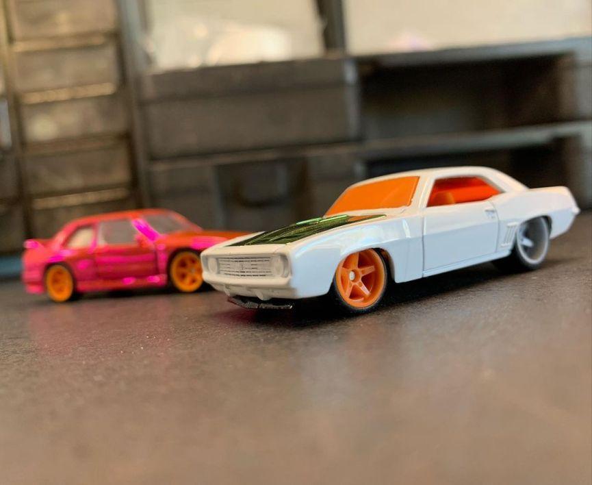 Red-Line-Club-BMW-M3-E30-69-Chevrolet-Camaro-002