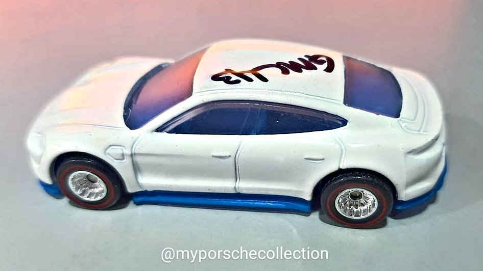 Hot-Wheels-Porsche-Taycan-Turbo-S-001